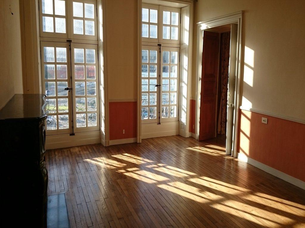 appartement vendre l offre et la demande. Black Bedroom Furniture Sets. Home Design Ideas